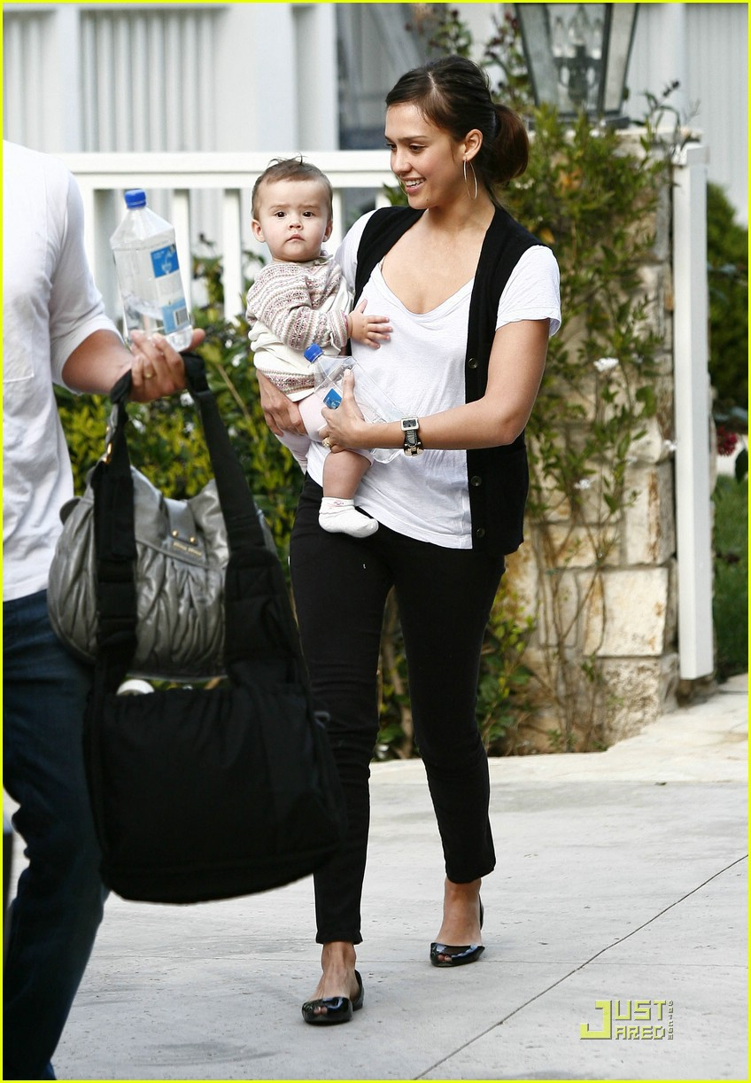 jessica alba honor warren baby talk 07
