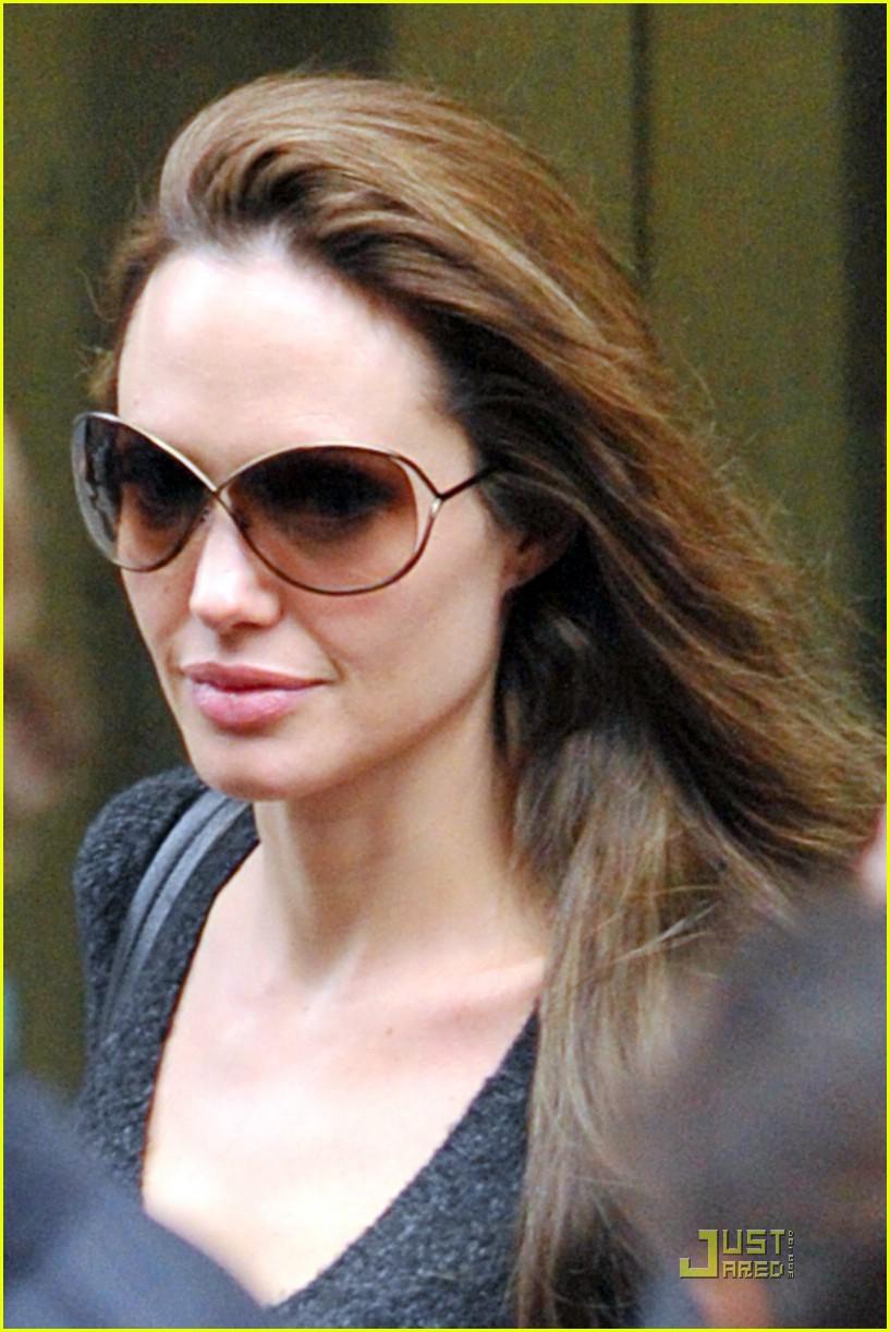 Angelina jole nude in salt