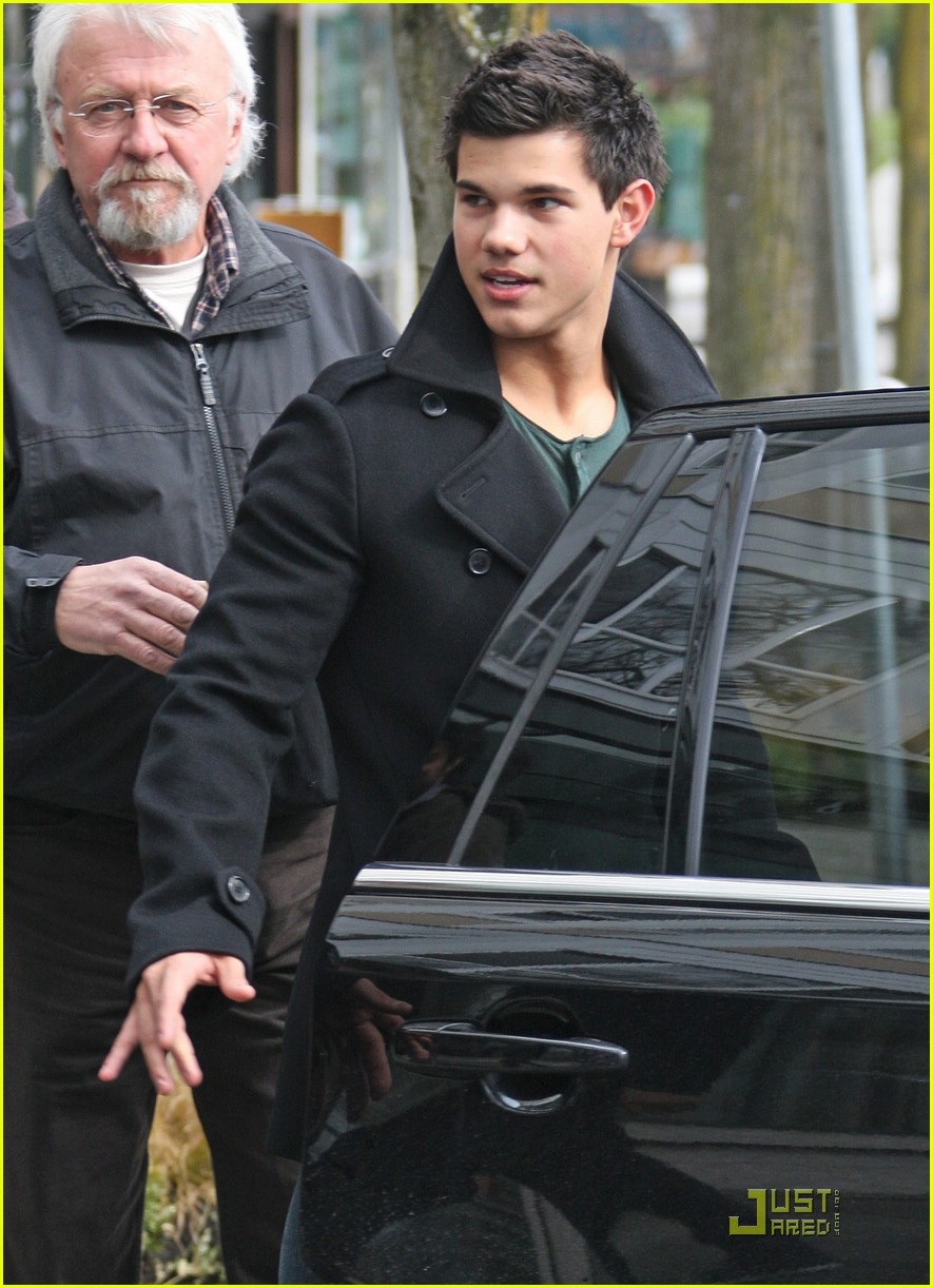 taylor lautner downtown dude 071811121