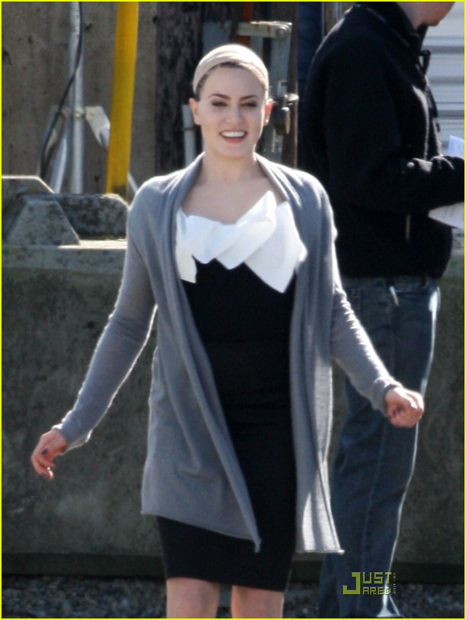 New Moon Cast Is Smoking Literally Photo 1788891 Ashley