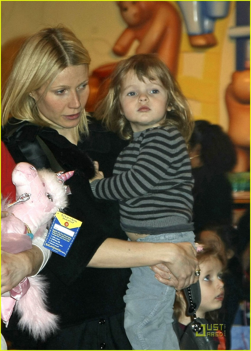 gwyneth paltrow build a bear 081804491