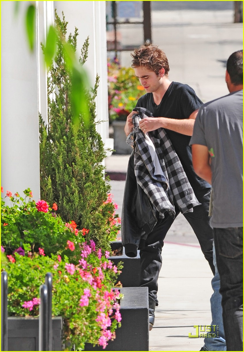 robert pattinson la hotel 01