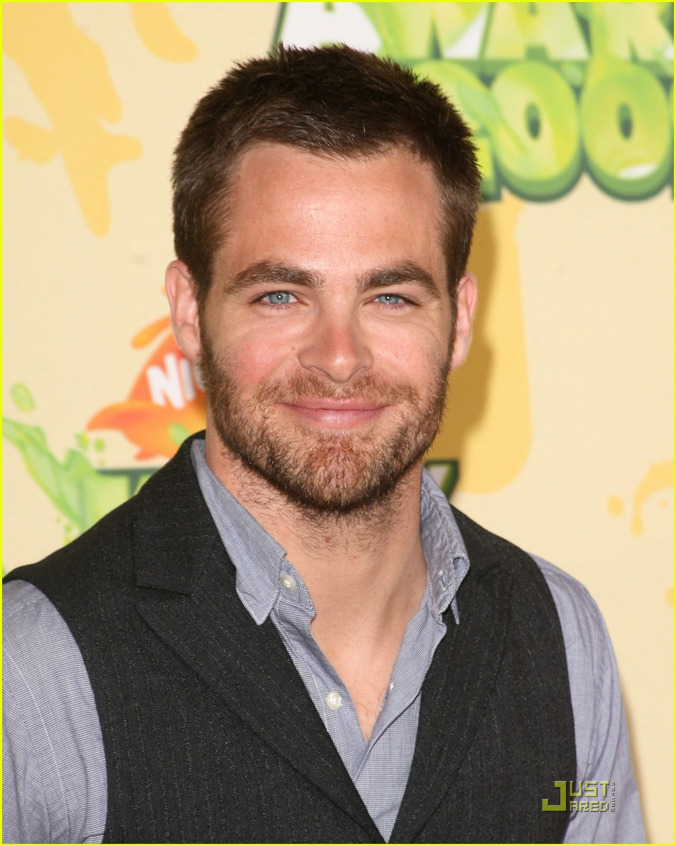 chris pine nickelodeon kids choice awards 081821551