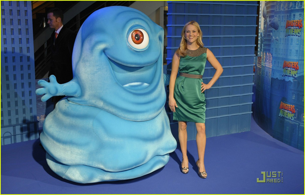 reese witherspoon monsters vs aliens round 1 photo 1778811