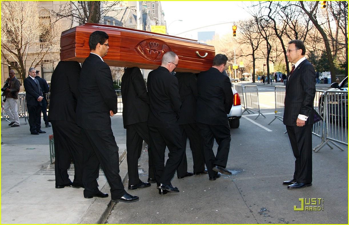 Natasha Richardson Is Laid To Rest: Photo 1806391 | Liam