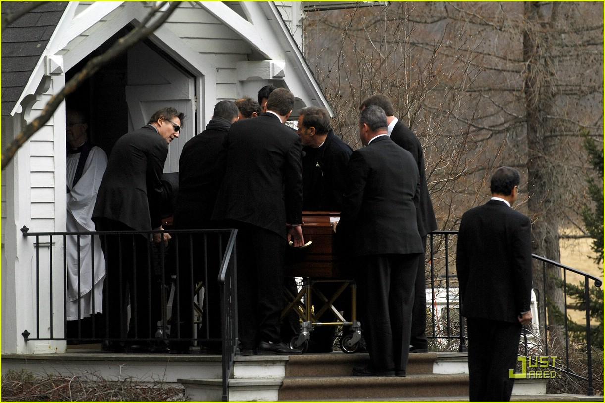 Natasha Richardson Is Laid To Rest: Photo 1806721 | Liam ...
