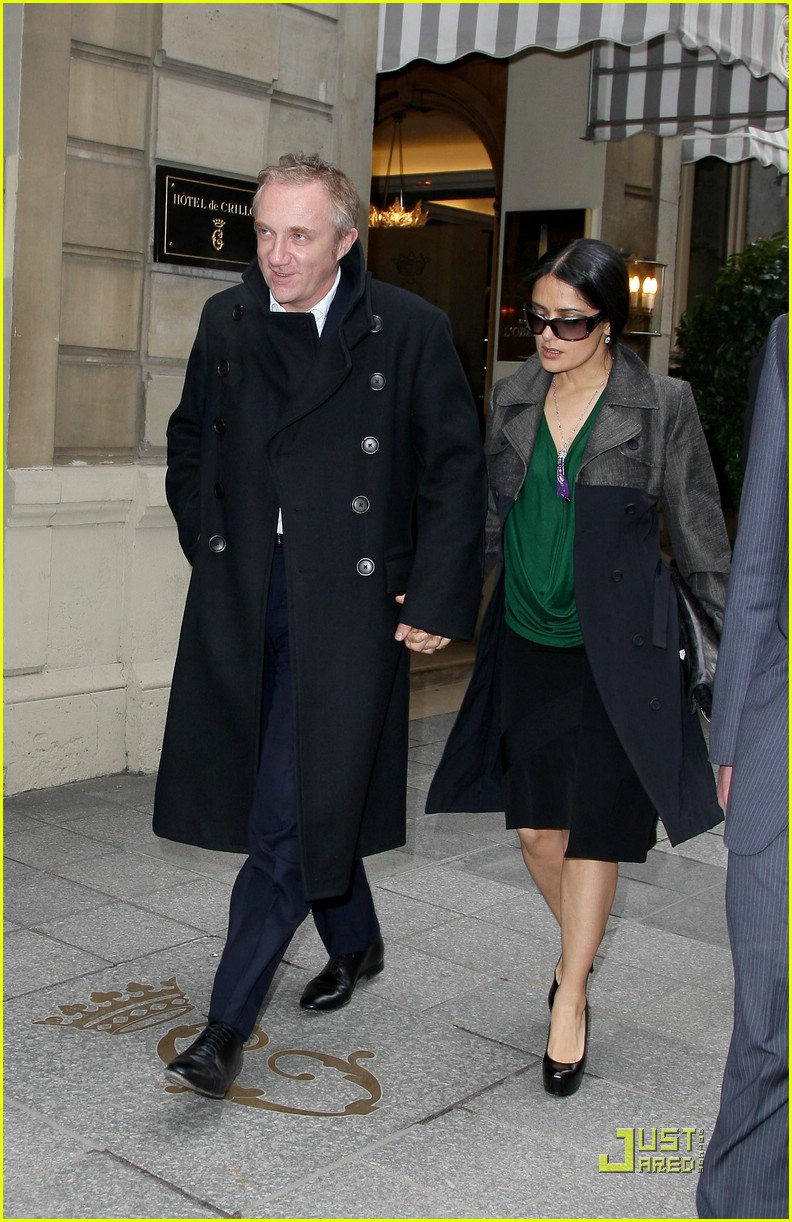 salma hayek francois henri pinault fashion week paris 031769741