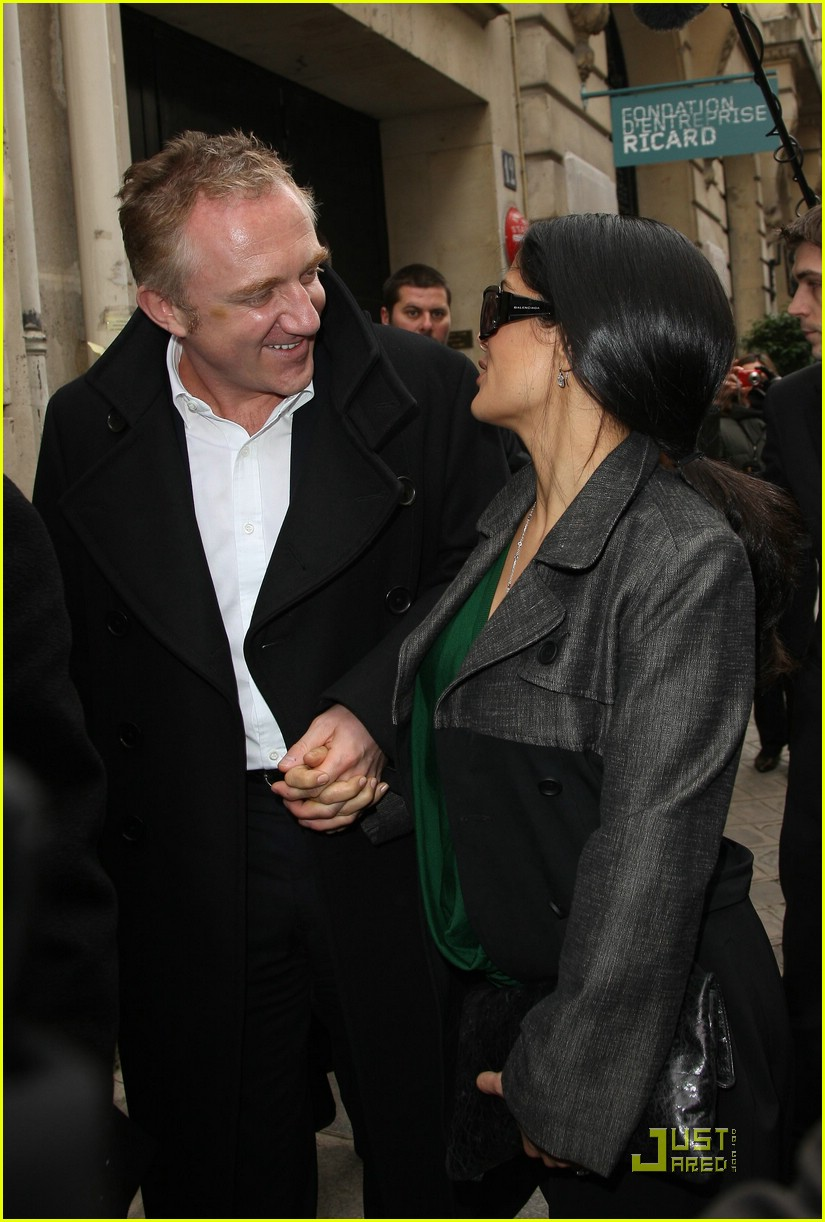 salma hayek francois henri pinault fashion week paris 041769751