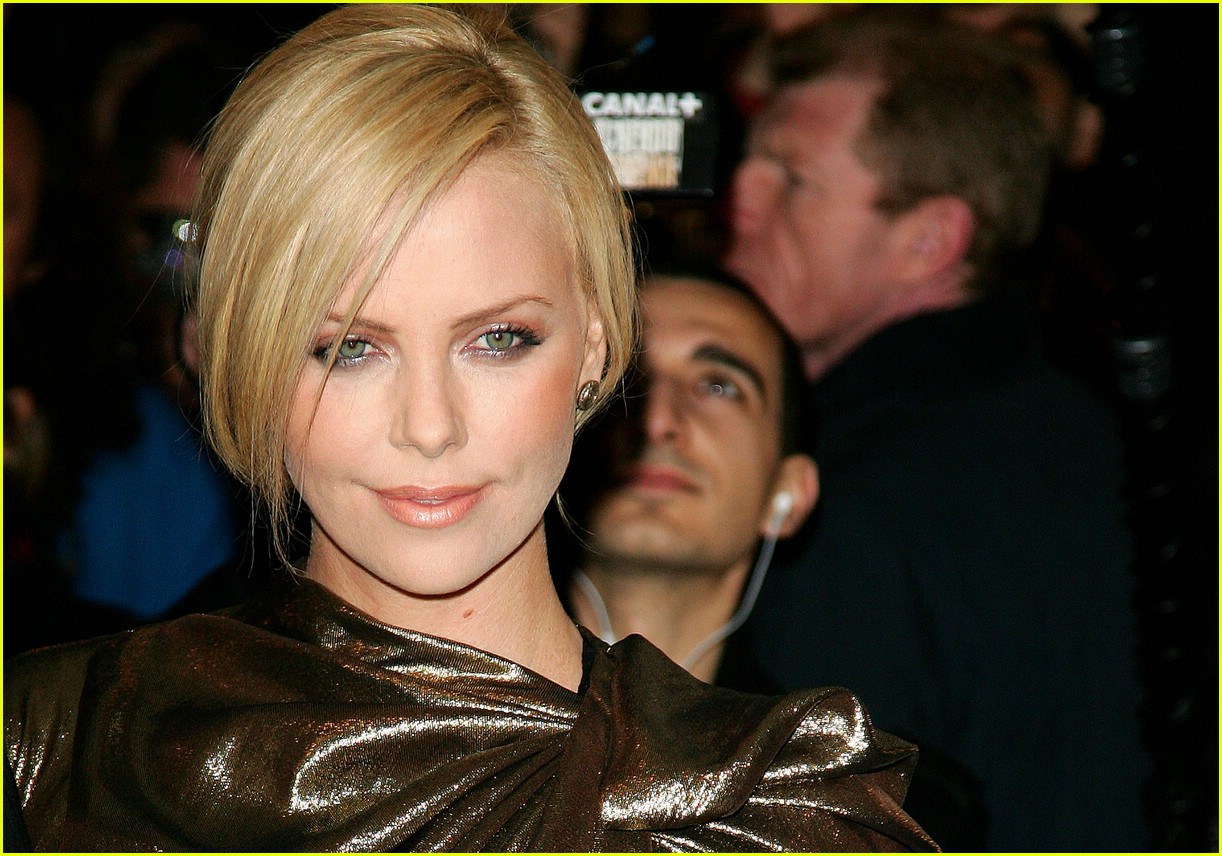 charlize theron burning plain paris 251763451