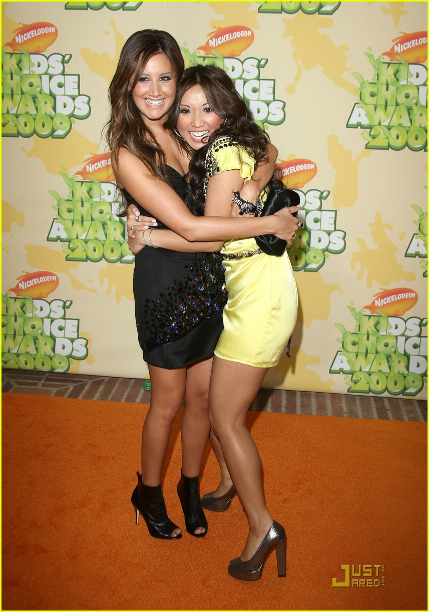 ashley tisdale 2009 kids choice awards 04