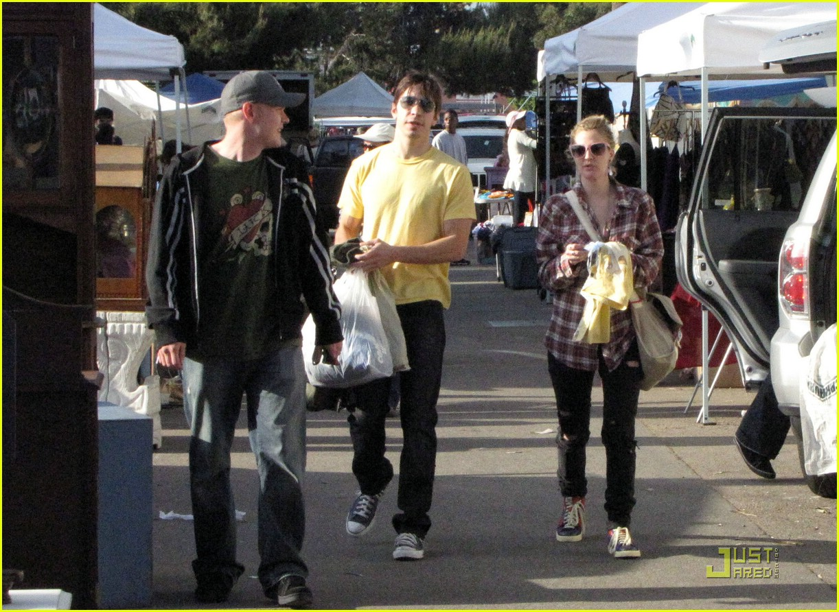 drew barrymore flea market madness 05