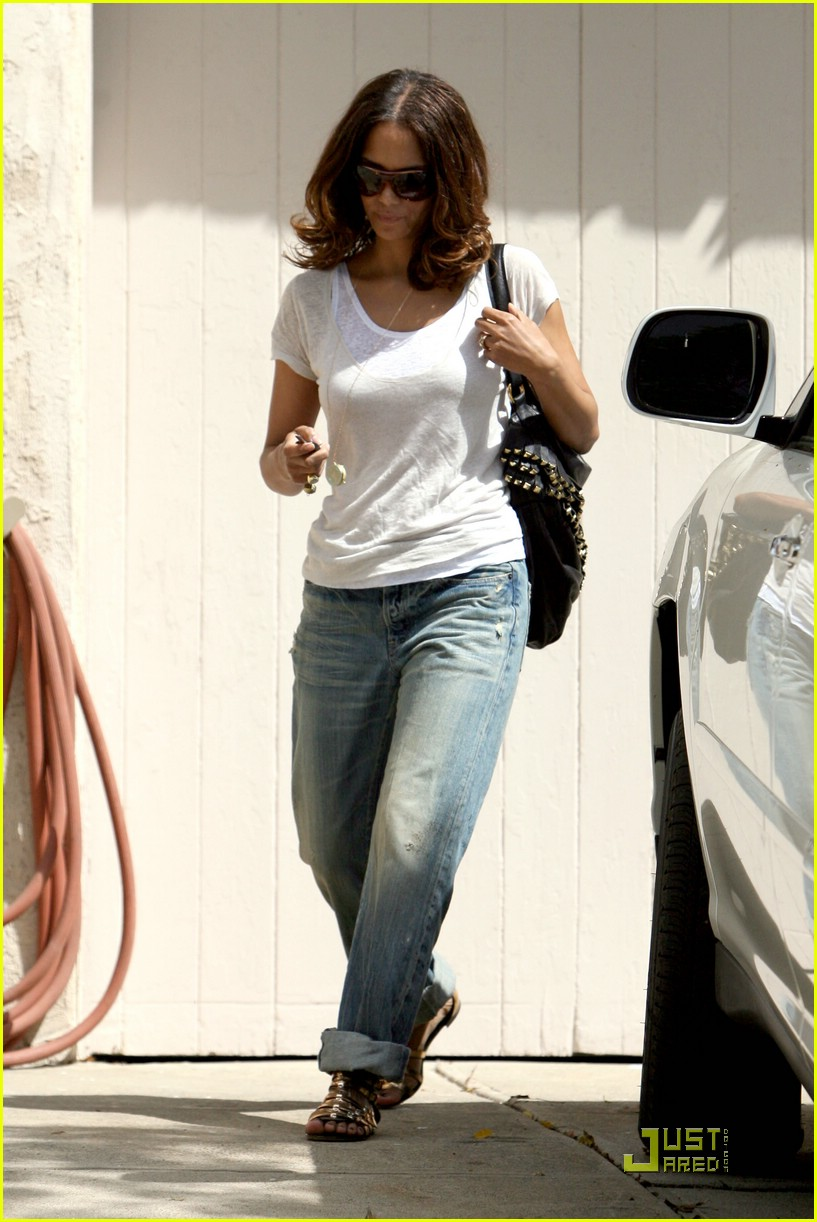 halle berry friends house 02