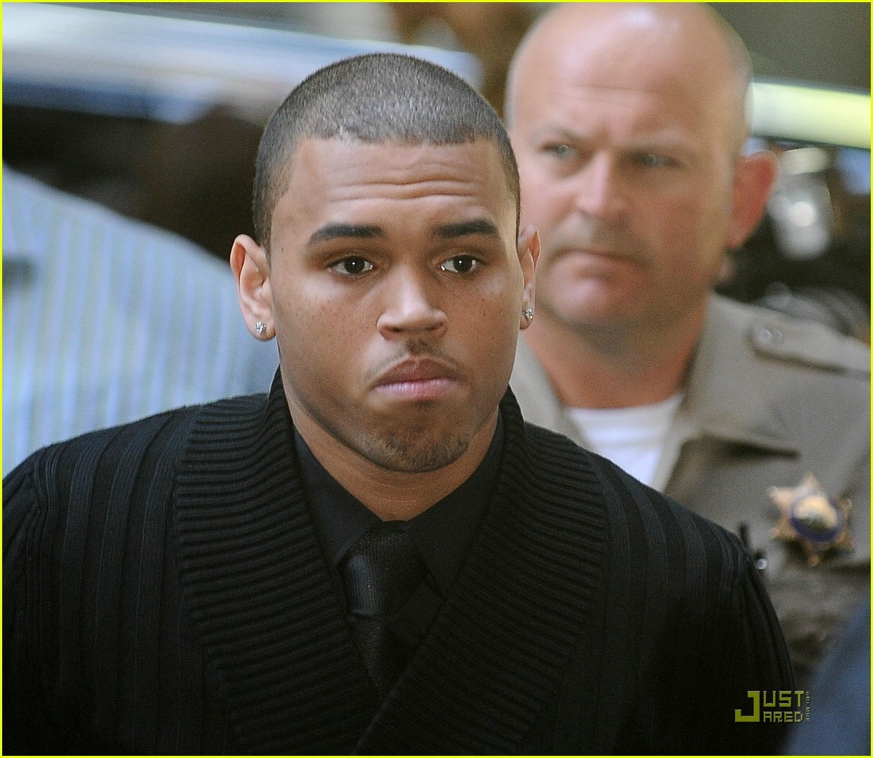 chris brown pleads not guilty 011837851