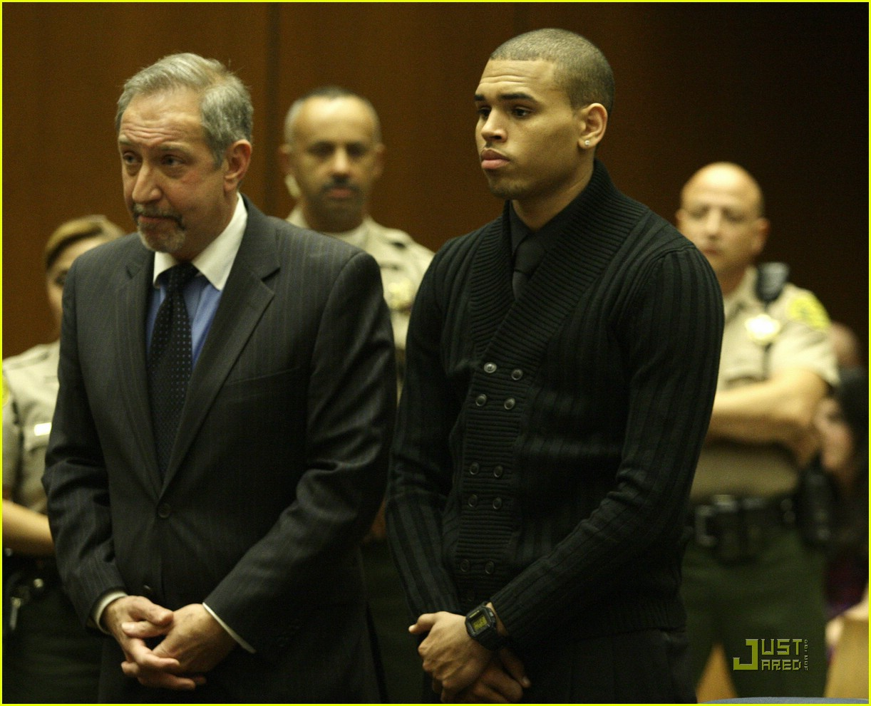 chris brown pleads not guilty 071837911