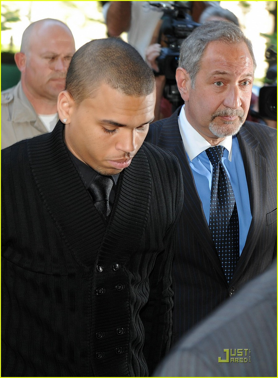 chris brown pleads not guilty 10
