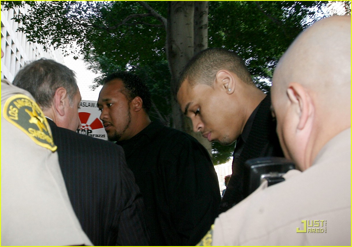 chris brown pleads not guilty 201838041