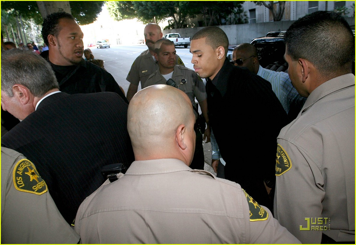 chris brown pleads not guilty 211838051