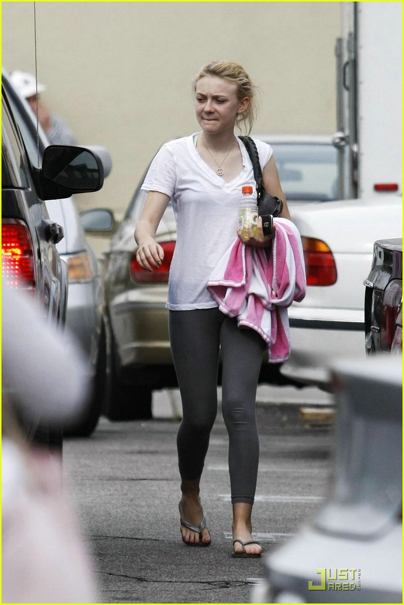 dakota fanning gatorade 07