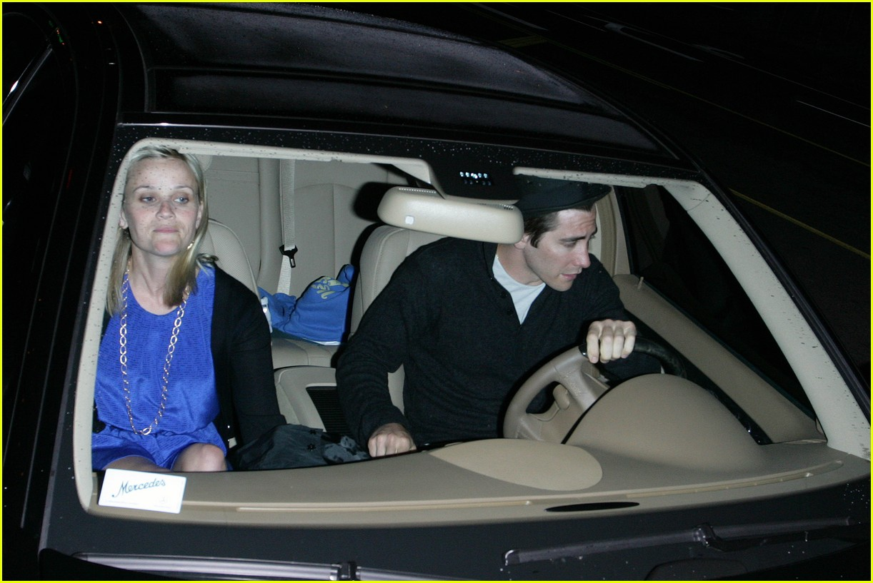 gyllenhaal witherspoon date 01