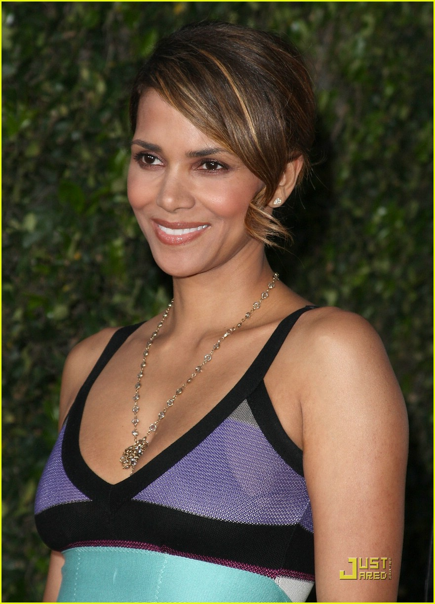 halle berry supports the soloist 191868651