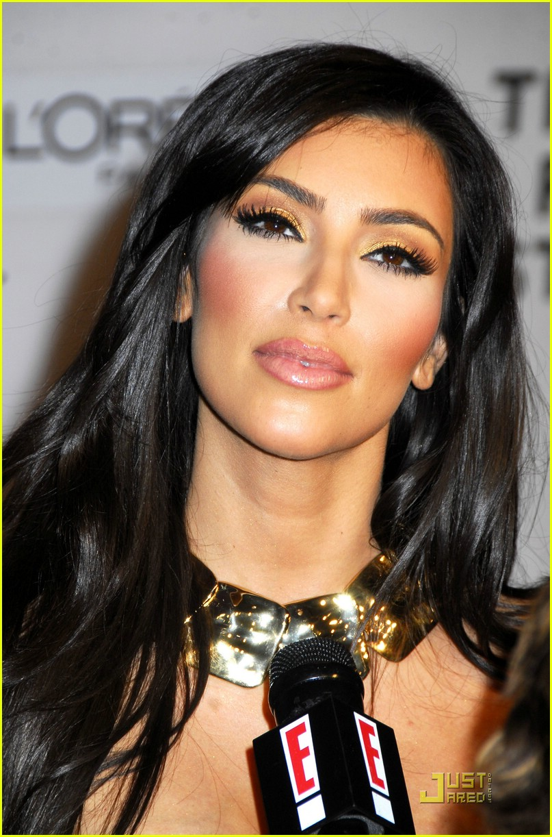 kim kardashian back black 021885111