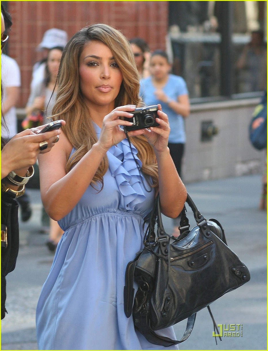 kim kardashian lighter locks 011881761