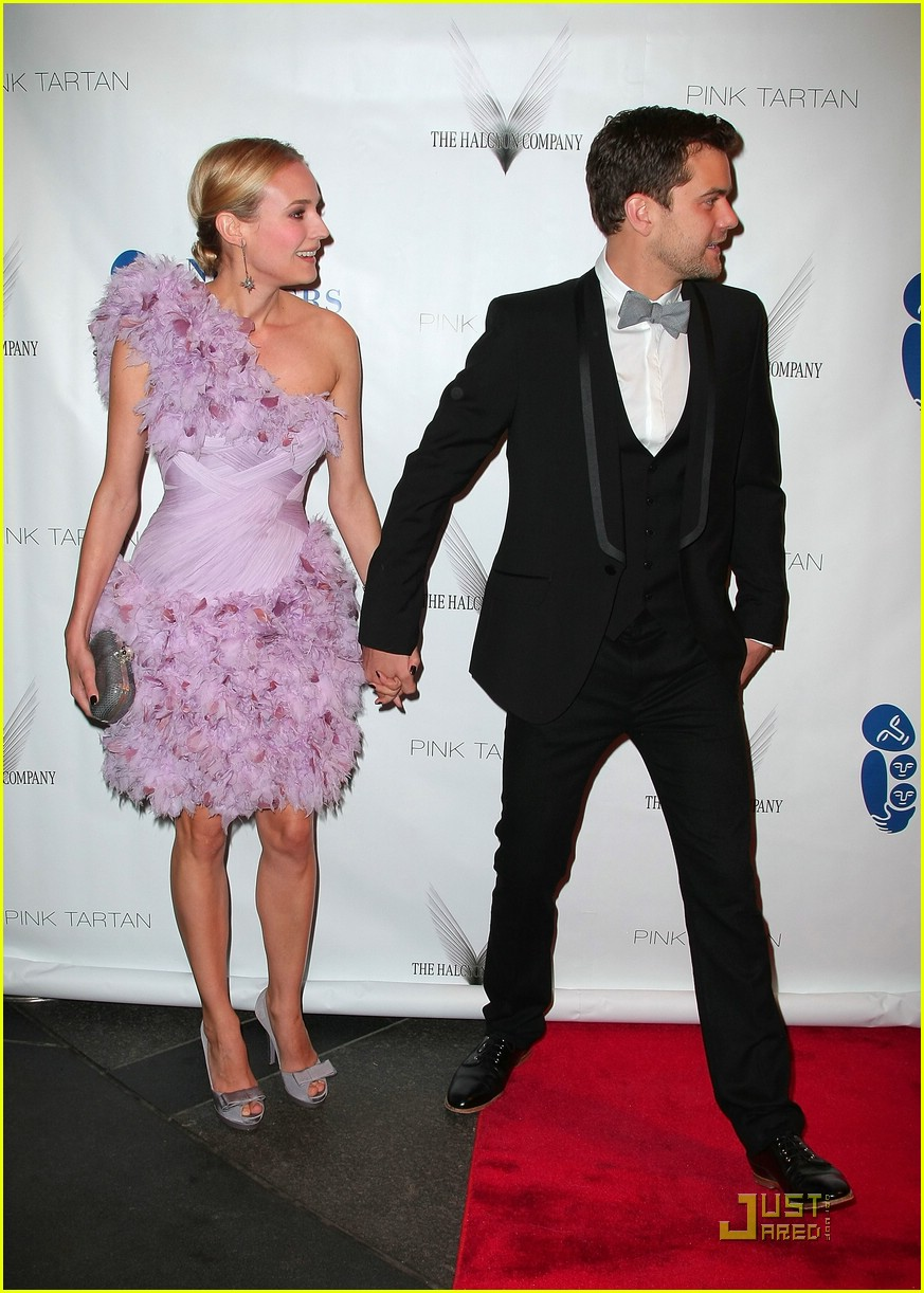 Full Sized Photo of diane kruger joshua jackson new ... Brad Pitt