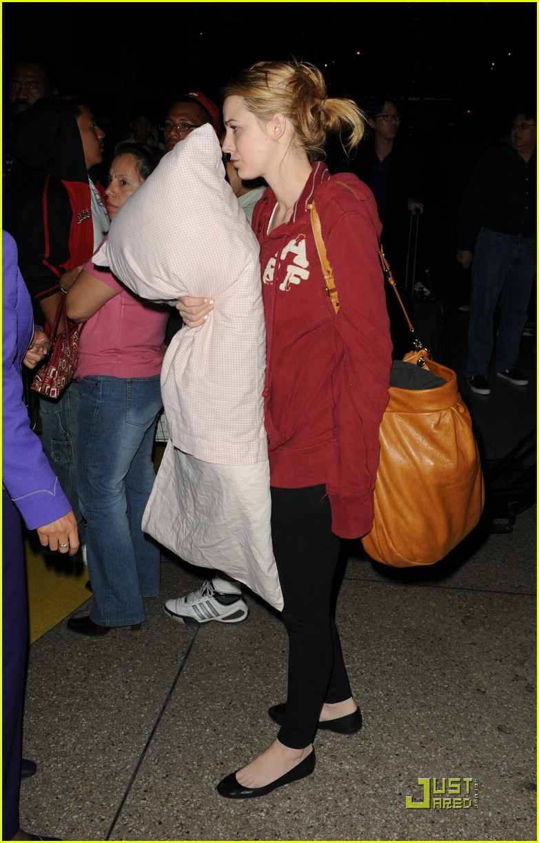 blake lively penn badgley lax 09