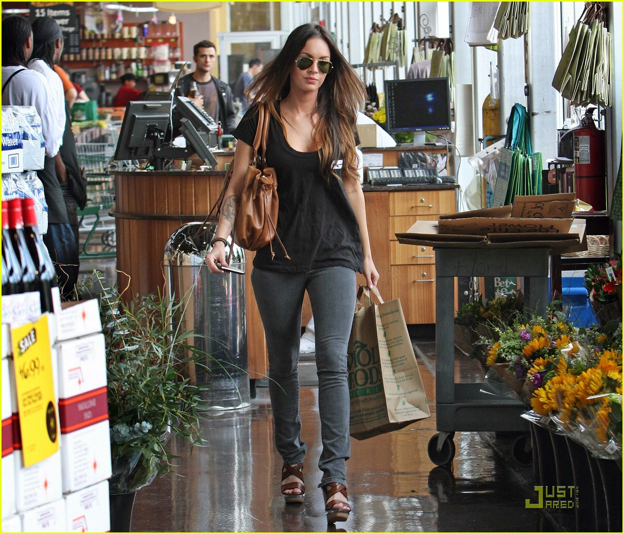 megan fox whole foods supermarket 031886951