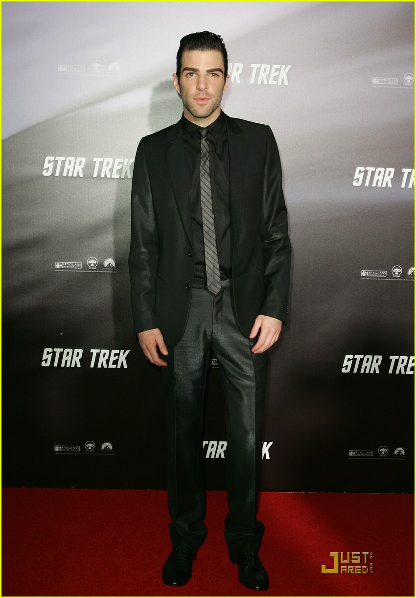 chris pine zachary quinto star trek world premiere 05