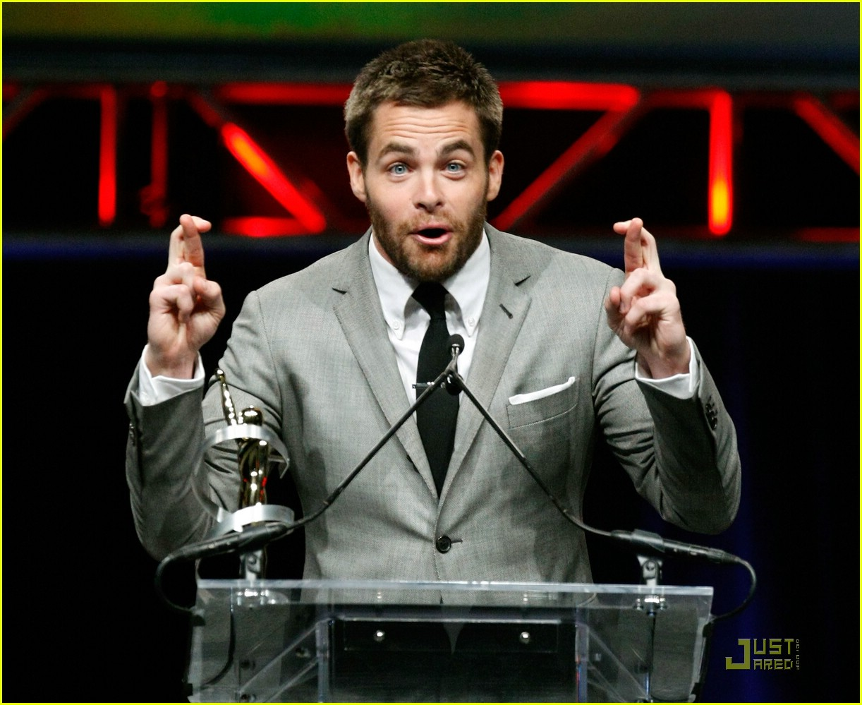 chris pine showest male star of tomorrow 11