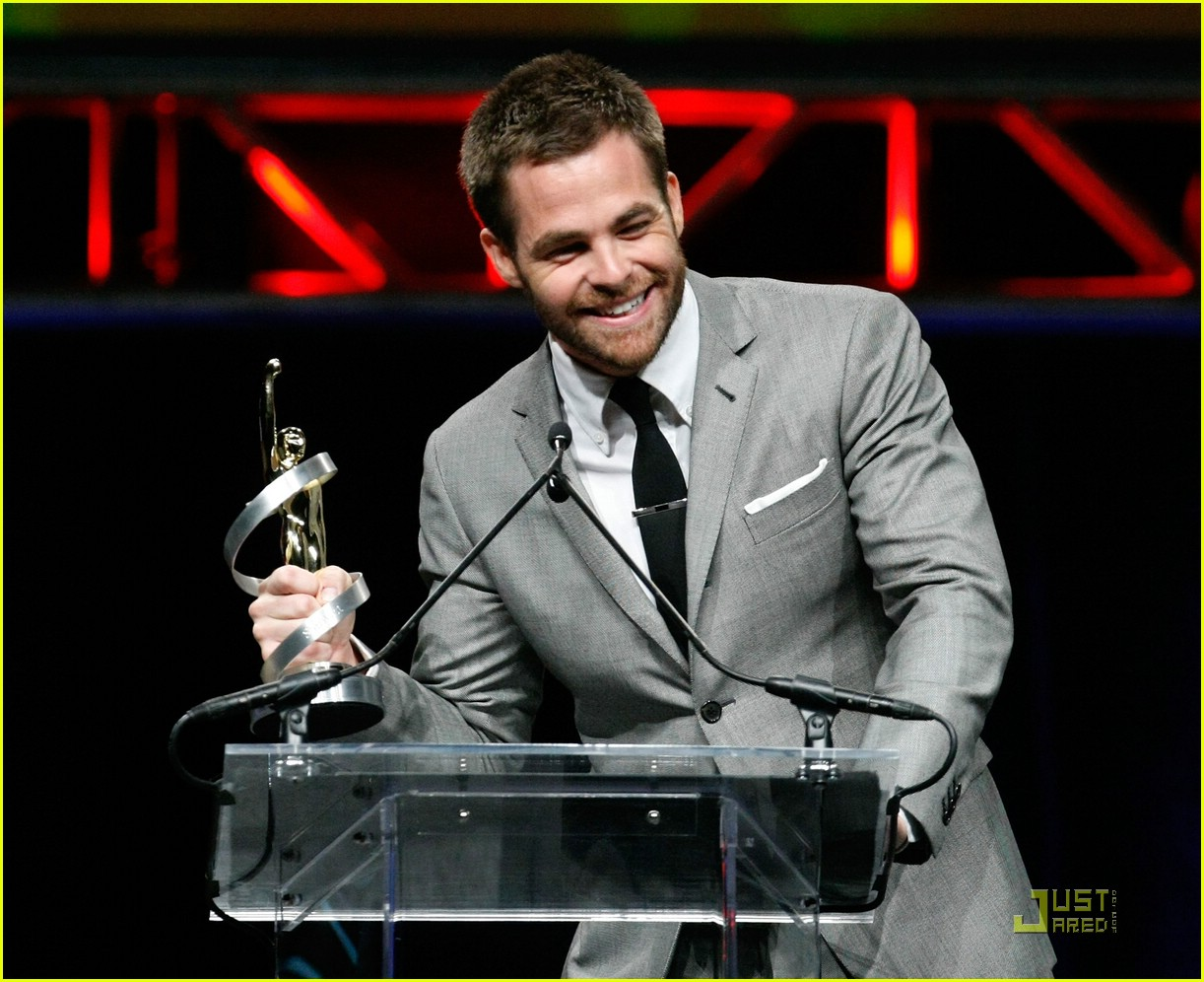 chris pine showest male star of tomorrow 12