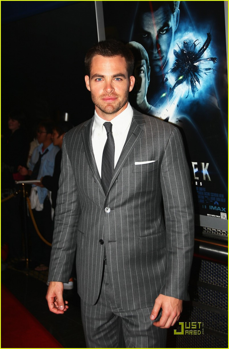 chris pine zachary quinto new zealand premiere 021842771