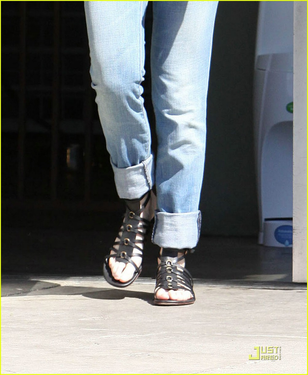 ellen pompeo tail washers 151866271