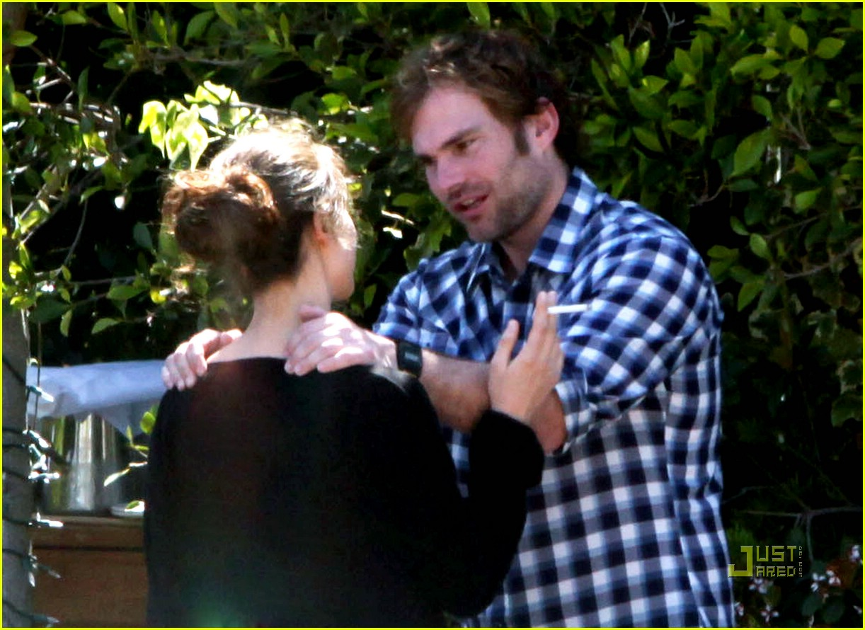 seann william scott smoking 211849091