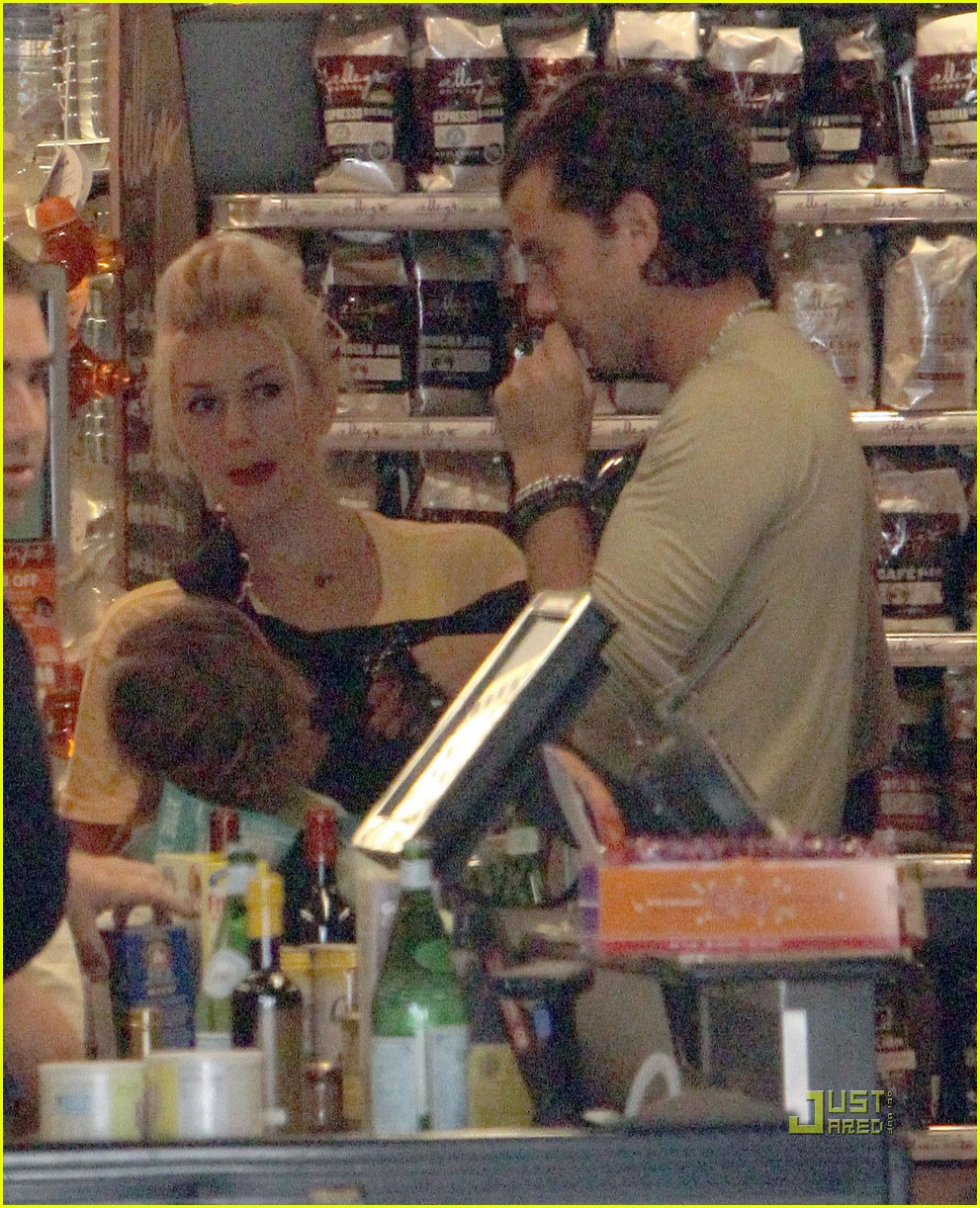 gwen stefani whole foods gavin rossdale 021848551