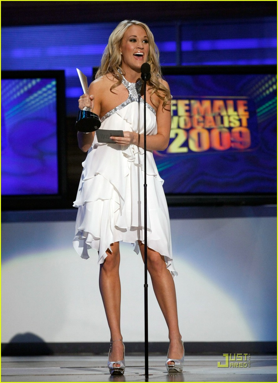 Carrie Underwood Wins Acm 39 S Entertainer Of The Year Photo