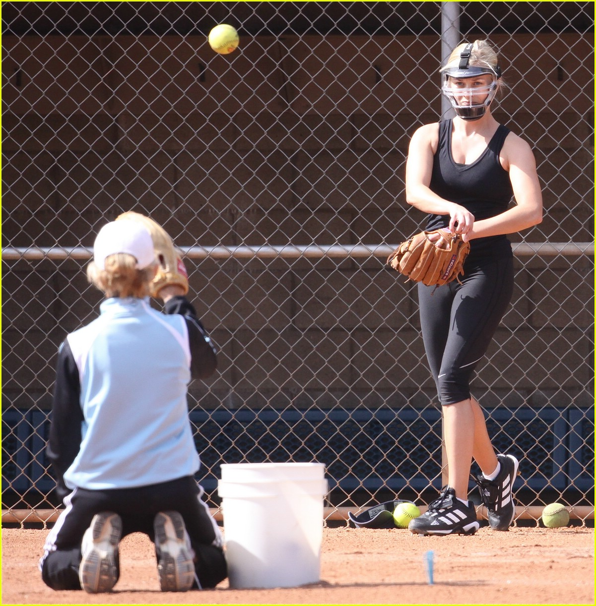 reese witherspoon softball sexy 071850981