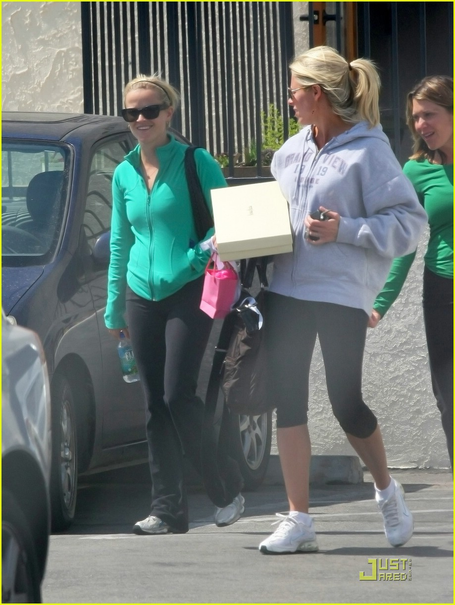 reese witherspoon maha yoga 031844291