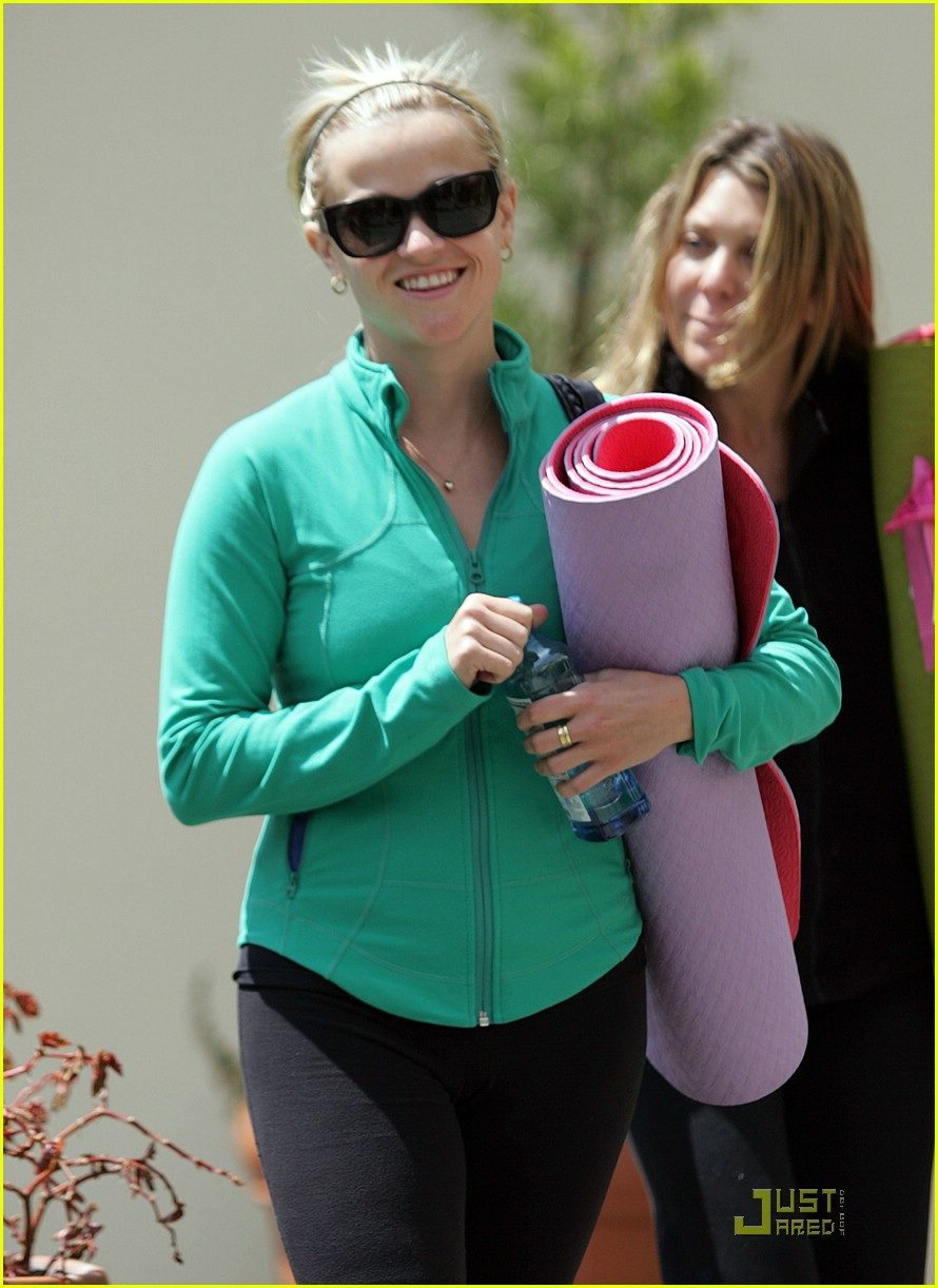 reese witherspoon maha yoga 061844321