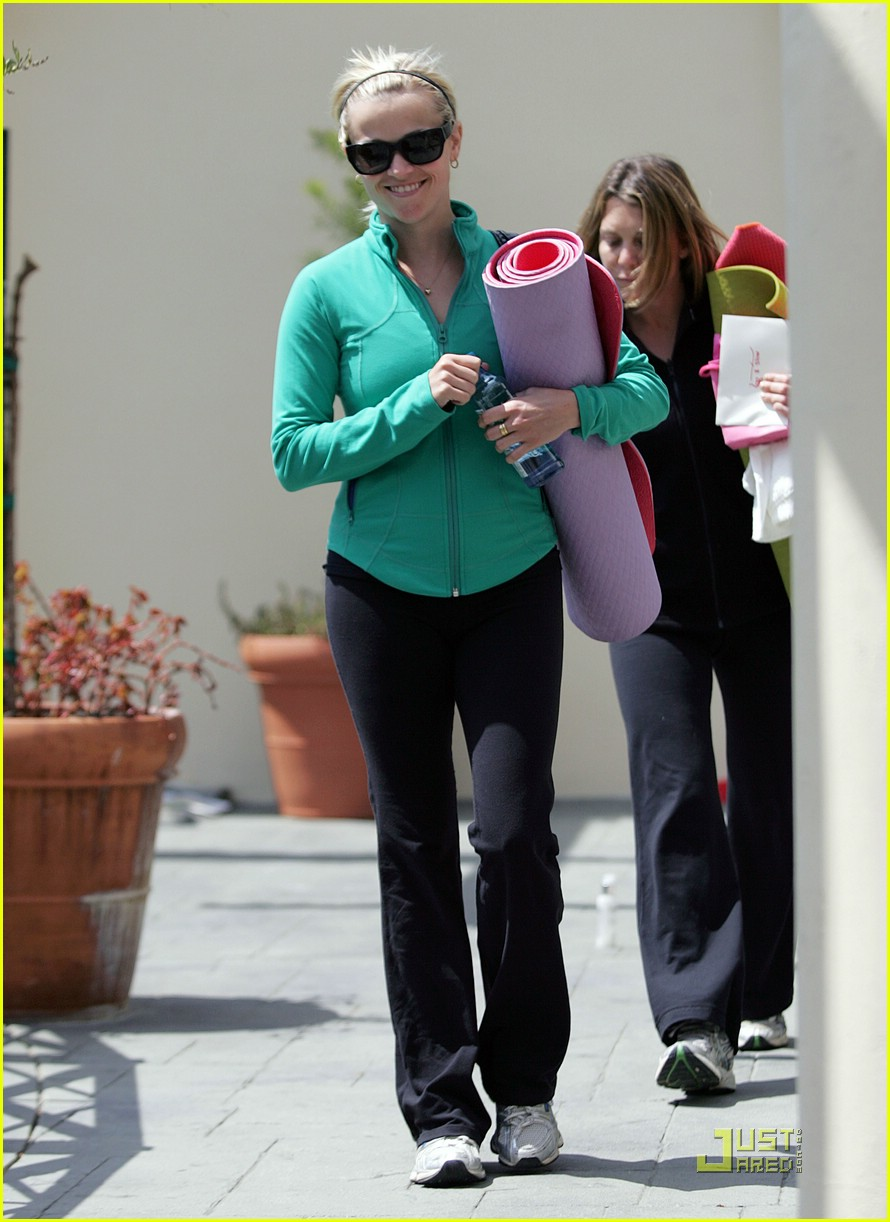reese witherspoon maha yoga 071844331