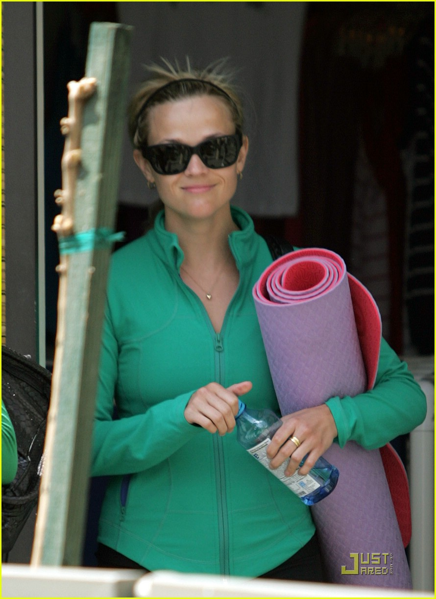 reese witherspoon maha yoga 081844341