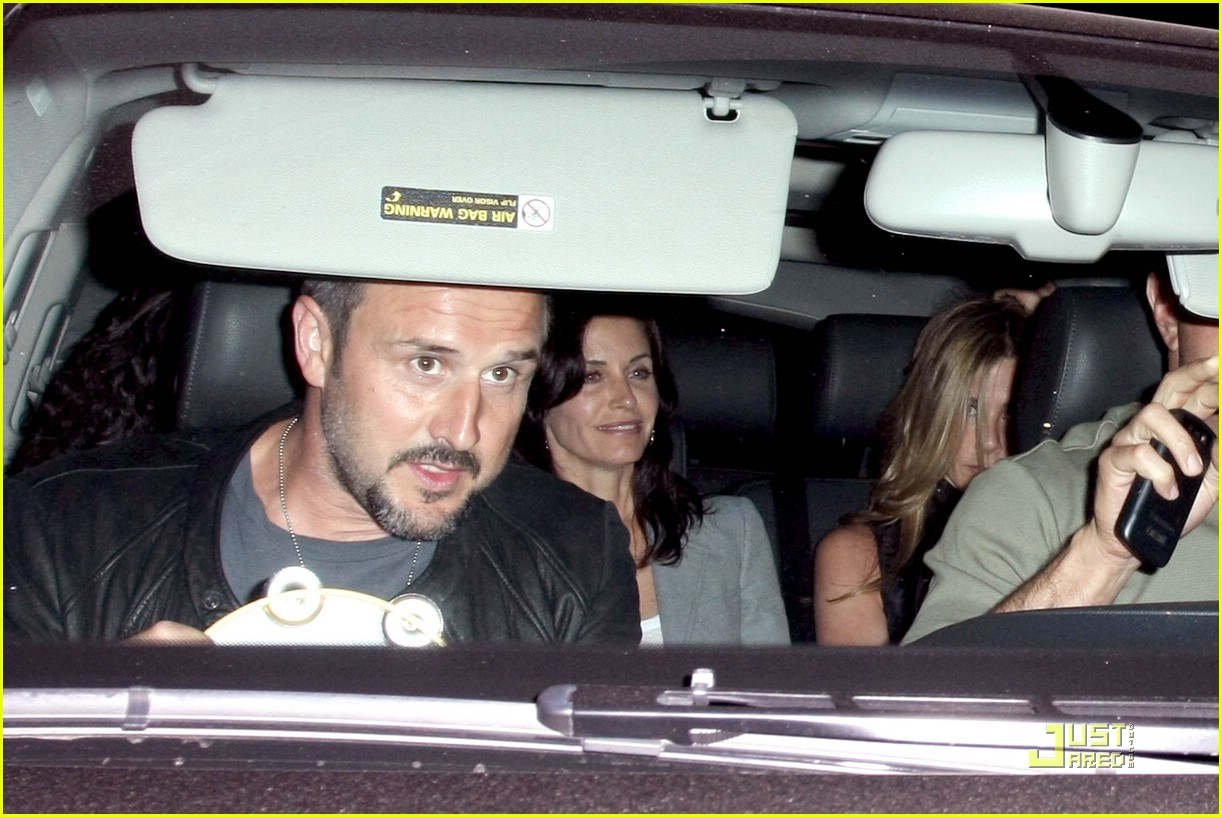 jennifer aniston fleetwood mac courteney cox 091954231