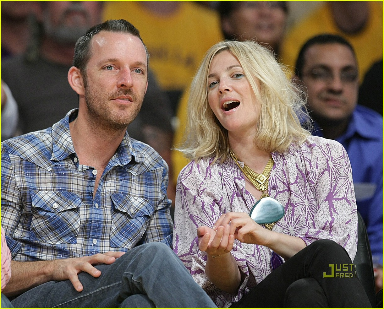 drew barrymore lakers game 081934731