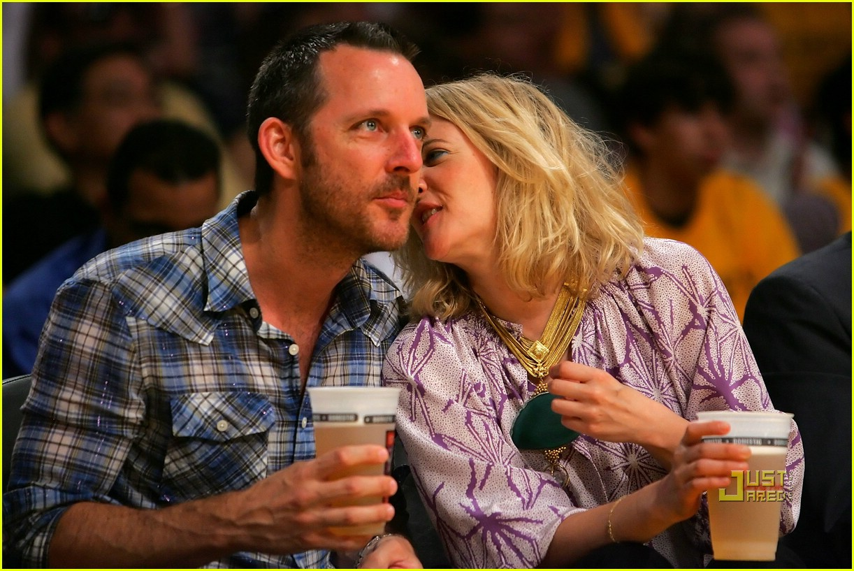 drew barrymore lakers game 131934781