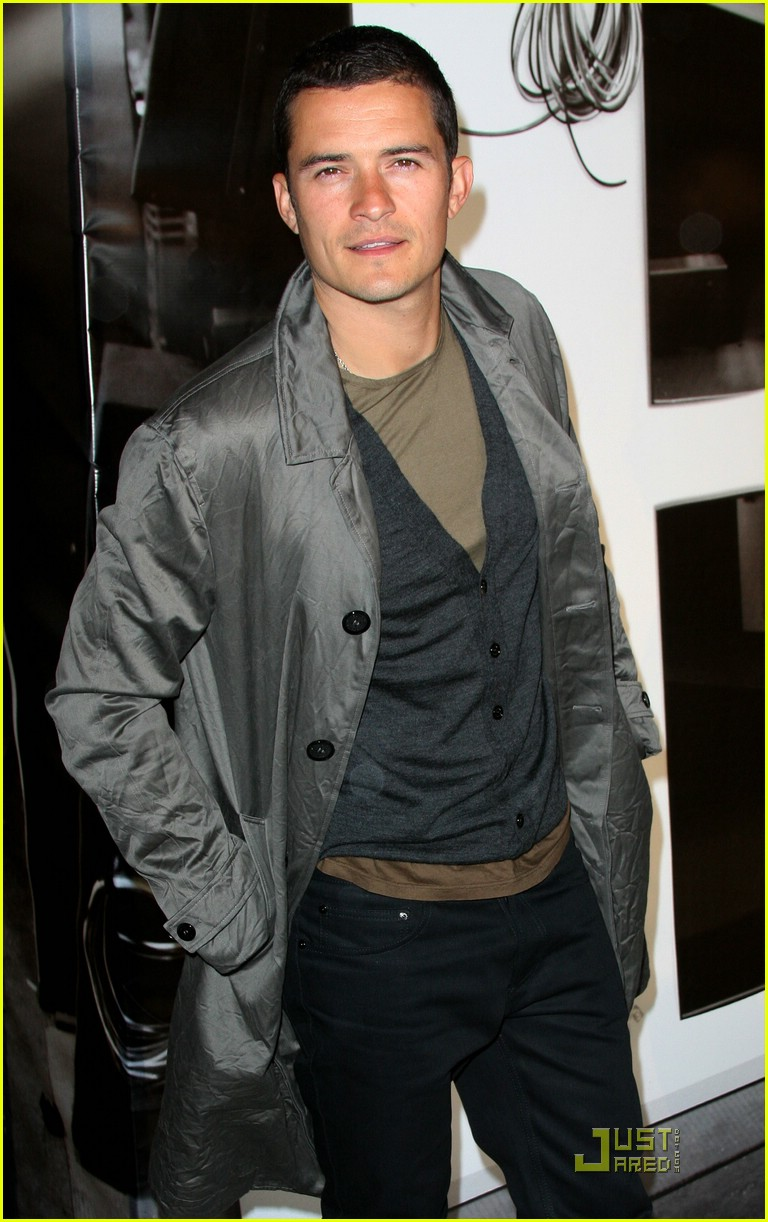 orlando bloom burberry day 03