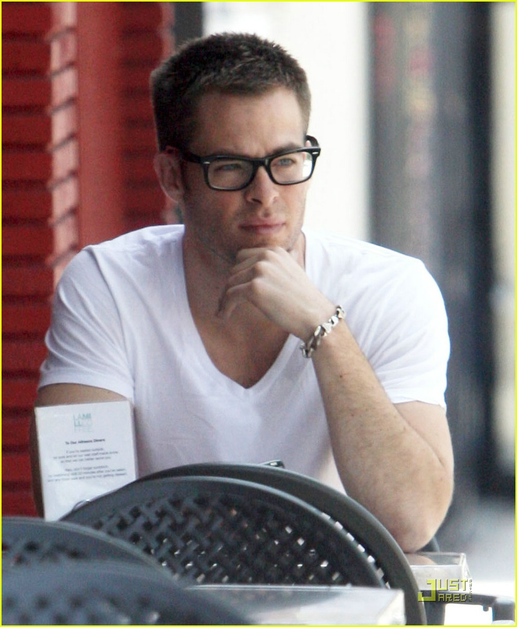 chris pine coffee 15