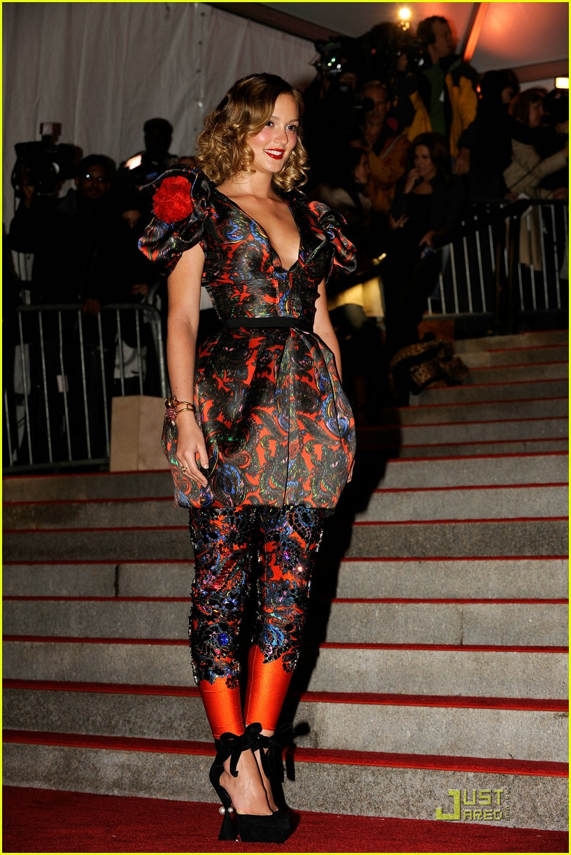 leighton meester met costume institute gala 2009 06