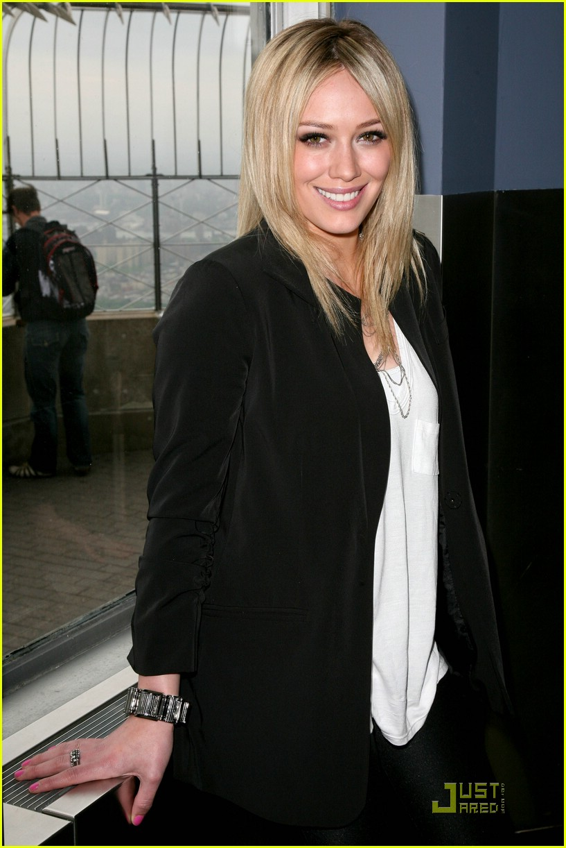 hilary duff flips the switch 031920541