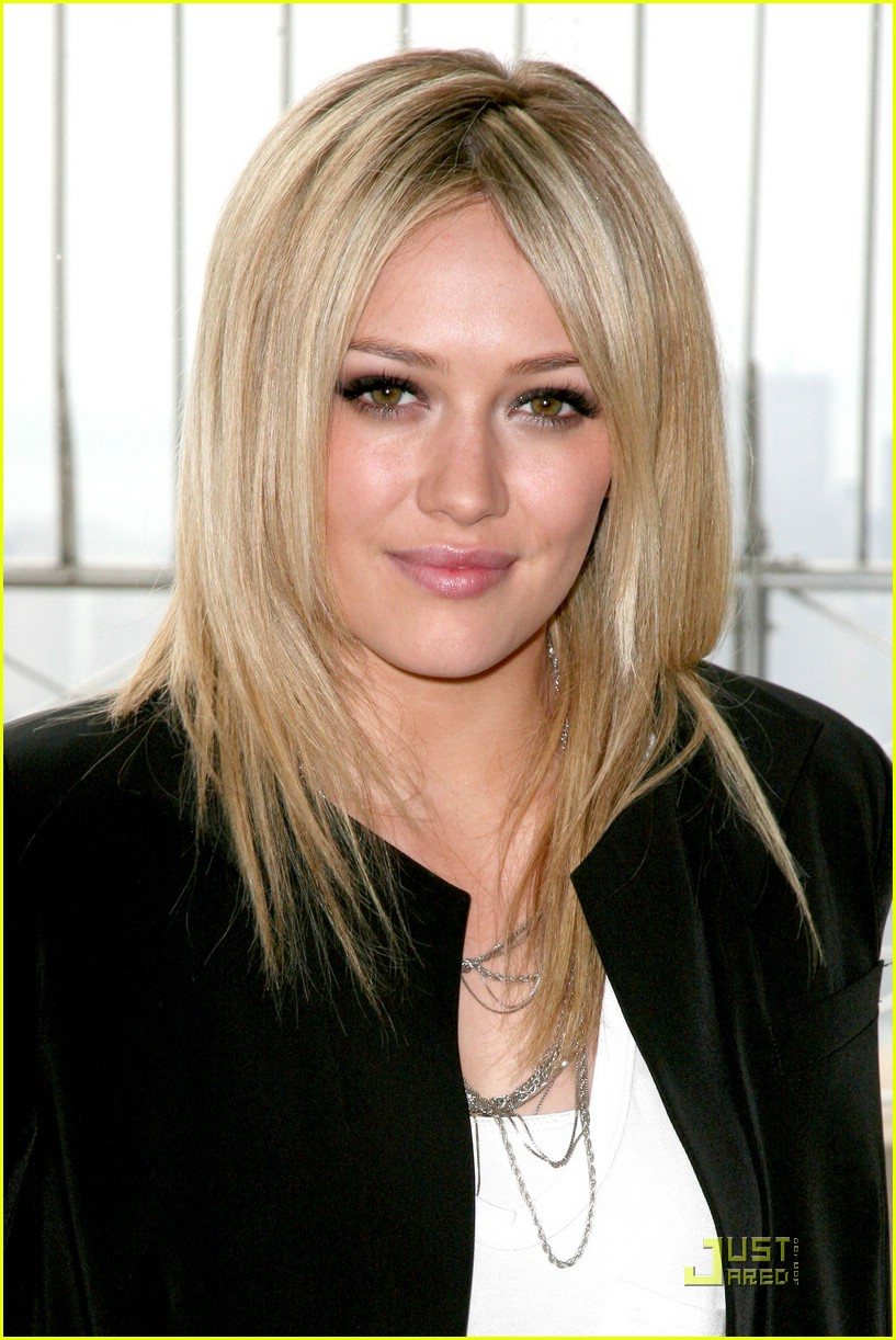 hilary duff flips the switch 121920631